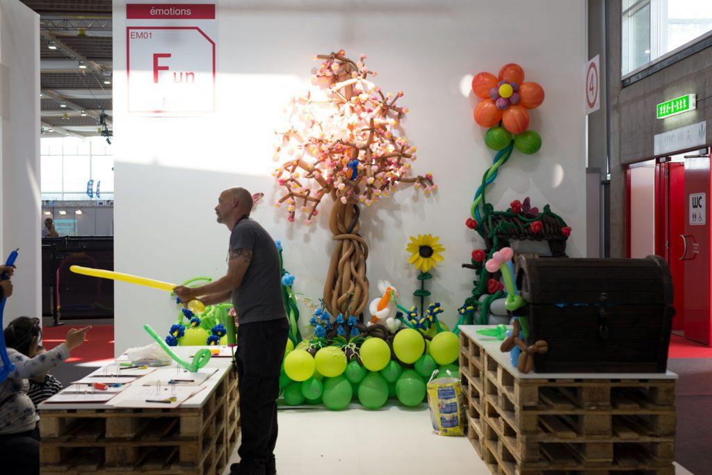 Addictlab balloon sculptures booth at Expo Juniors 2017 Palexpo Geneva.